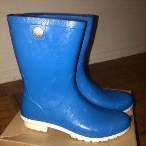 Brand NEW WITH BOX Ugg sienna rain boots
